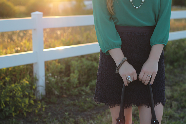 Emerald & Navy Lace - from www.prettylittledetails.ca