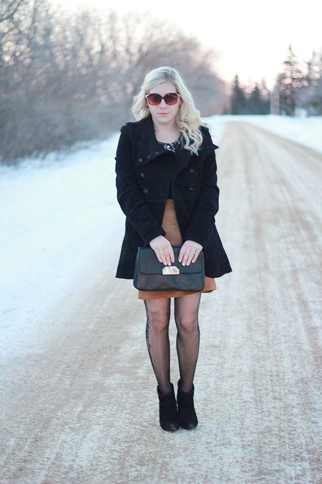 How to wear a suede skirt.  Inspiration from a Canadian Style Blogger.