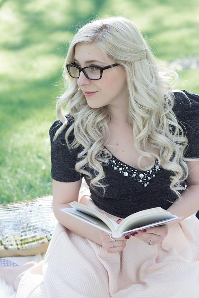 Jennifer Ashley of @PLDetails with glasses.