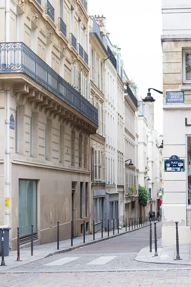 A charming street corner in Paris // Paris travel diary // Pretty Little Details