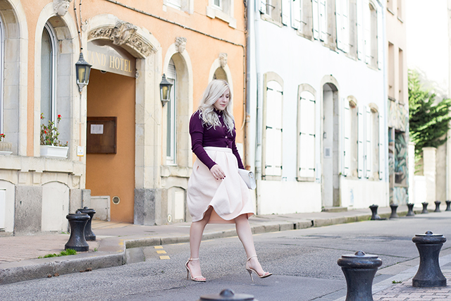 Outfit Inspiration // Quilted blush pink midi skirt and victorian inspired ruffled sweater // Pretty Little Details fashion & lifestyle blog via Cherbourg, France