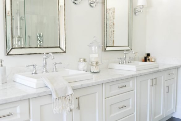 Simple, feminine bathroom decor