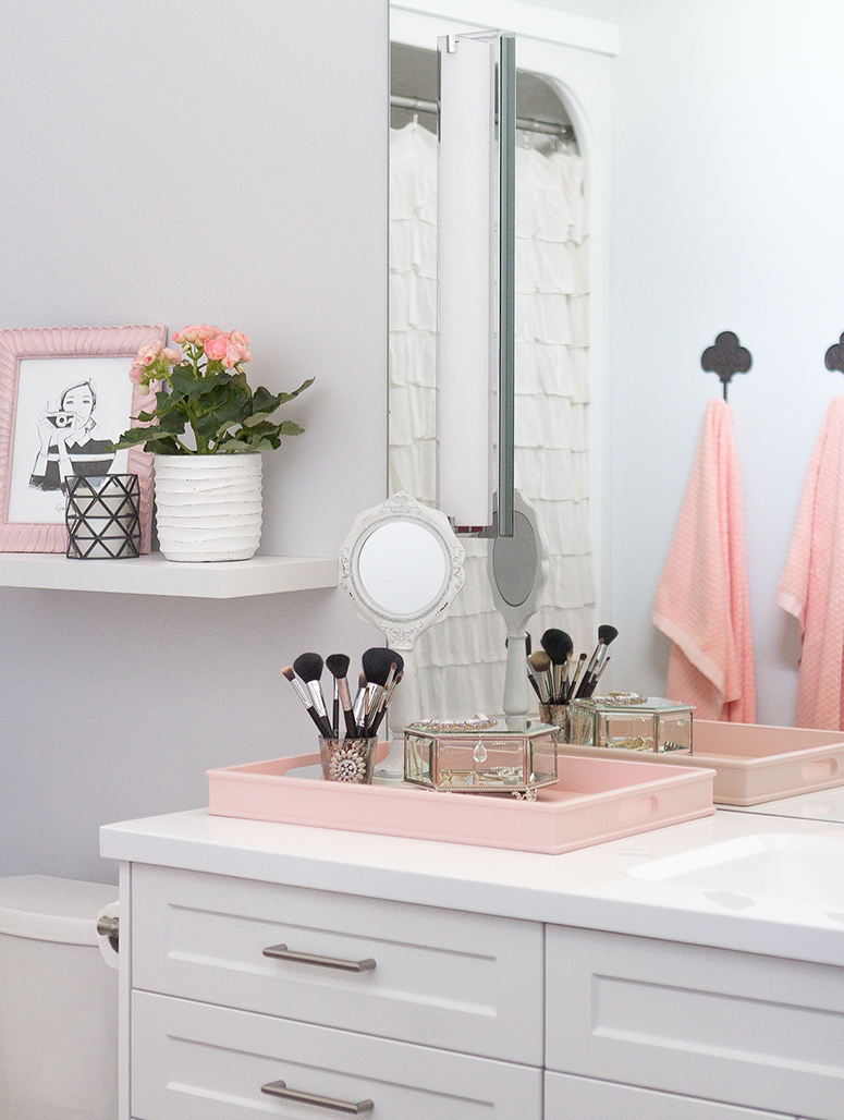 How to Turn a Basic Bathroom into a Luxurious Retreat // Pretty Little Details
