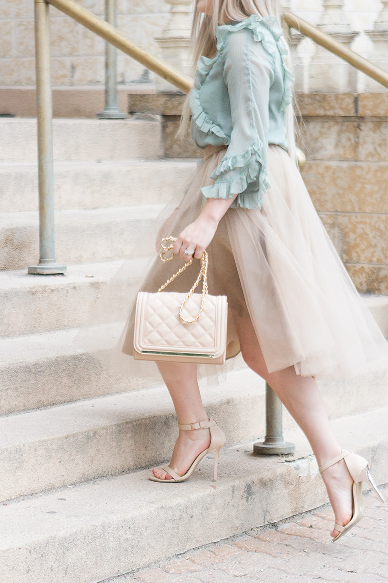 How to wear a tulle skirt as an adult // Pretty outfit inspiration from a feminine fashion blog.