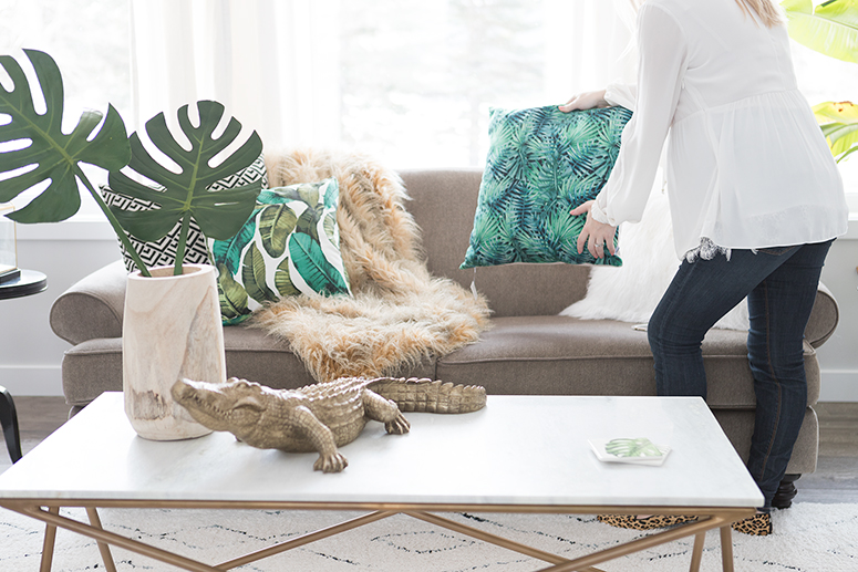 Spring home decor trends: Jungle inspired living room.