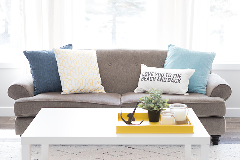 Spring home decor trends: Nautical inspired living room.