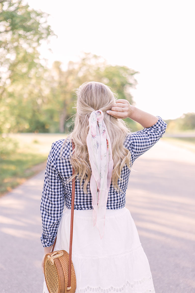 The prettiest silk scarves to wear in your hair //hair scarf styles //scarf hairstyles //silk scarves for hair